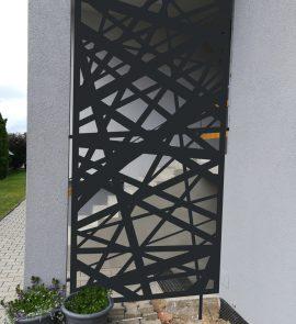 zahradní zástěna, exteriérová zástěna, zástěna ke vchodu do domu